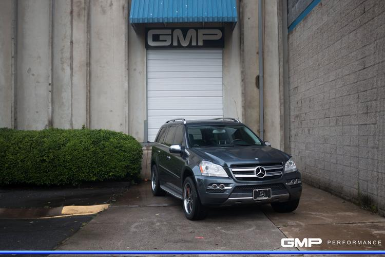 Mercedes GL450 With Repainted Calipers